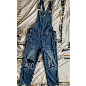American Eagle distressed overalls
